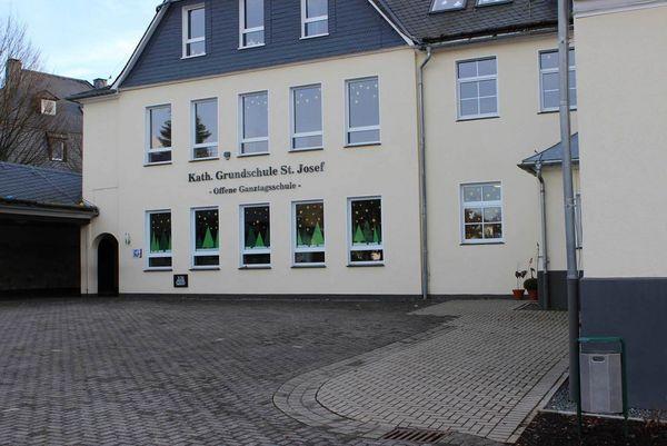 Schulgebäude der Grundschule Siedlinghausen