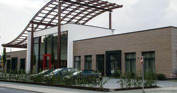 Abgebildet ist das Gebäude des Buergerbahnhofes.